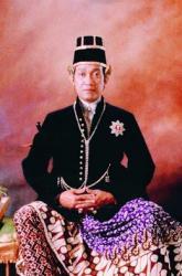sri-sultan-hb-x